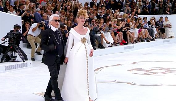 Karl Lagerfeld – a CHANEL divattervezője